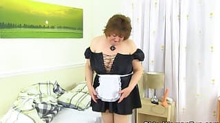 An excellent solo with a BBW chubby mom